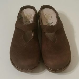 El Naturalista Brown Clog/Mule